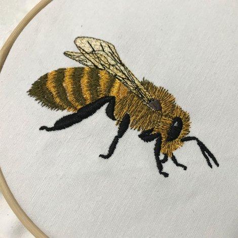 Stickdatei Biene Honigbiene realistisch 10x10